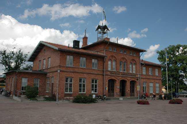 Töreboda station