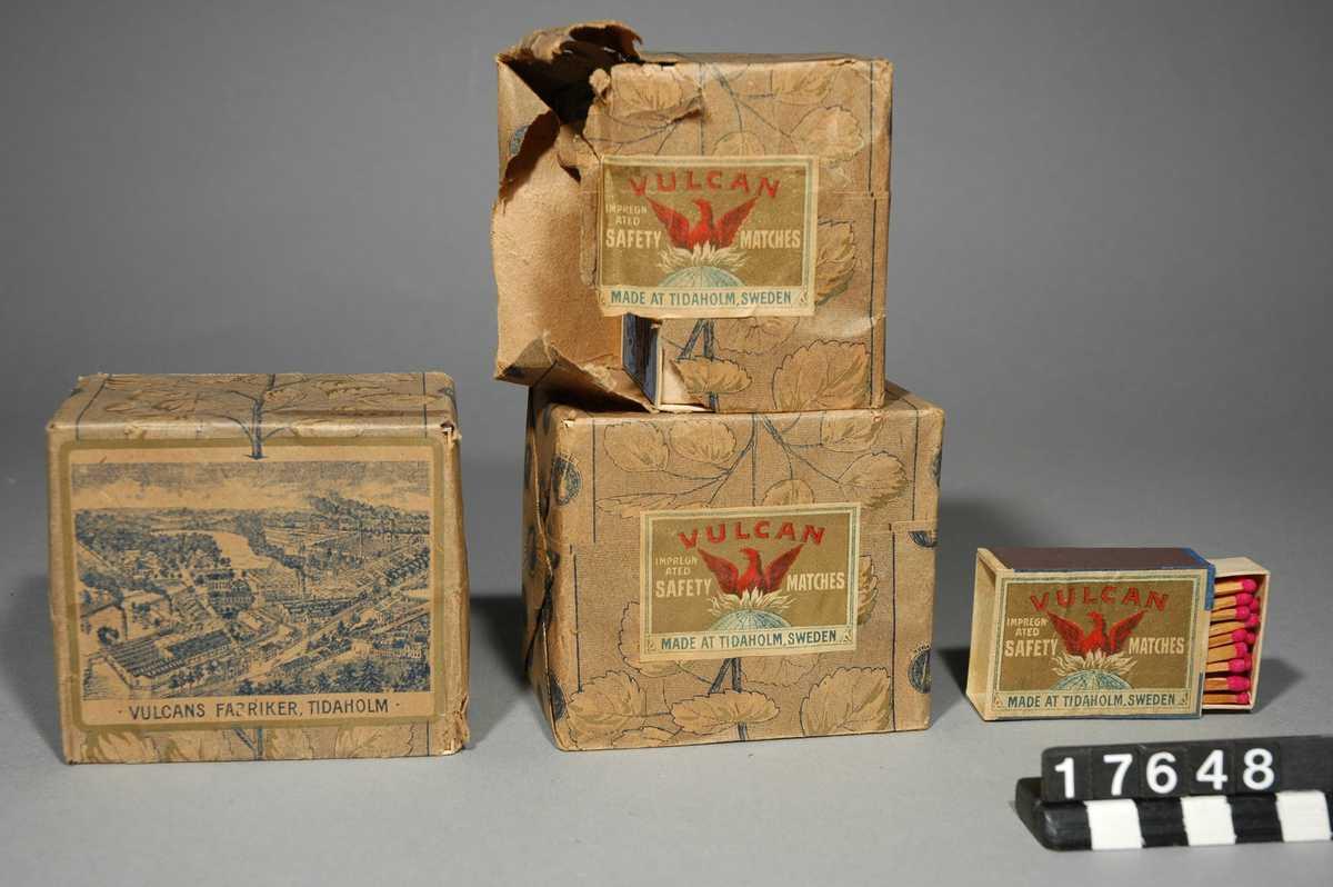 Förpackningar med säkerhetständstickor från AB Vulcans tändsticksfabrik.