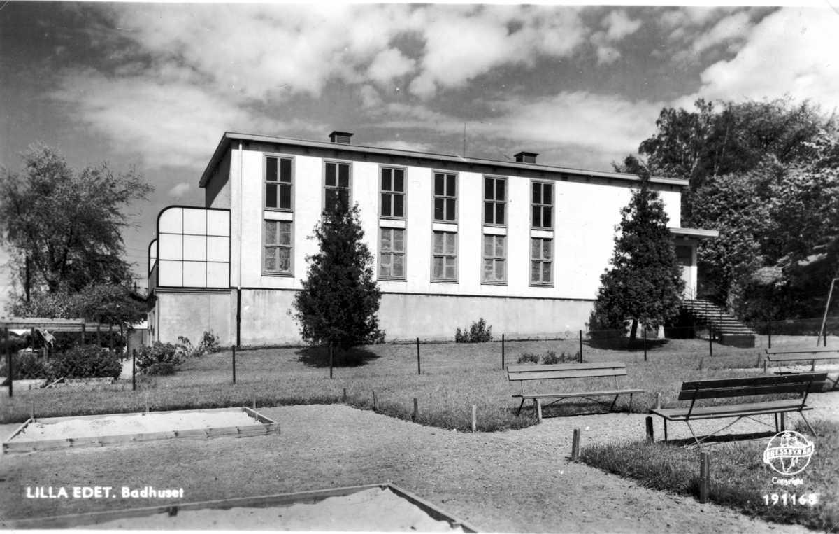 Badhusets södra fasad kring uppförandetiden år 1934.