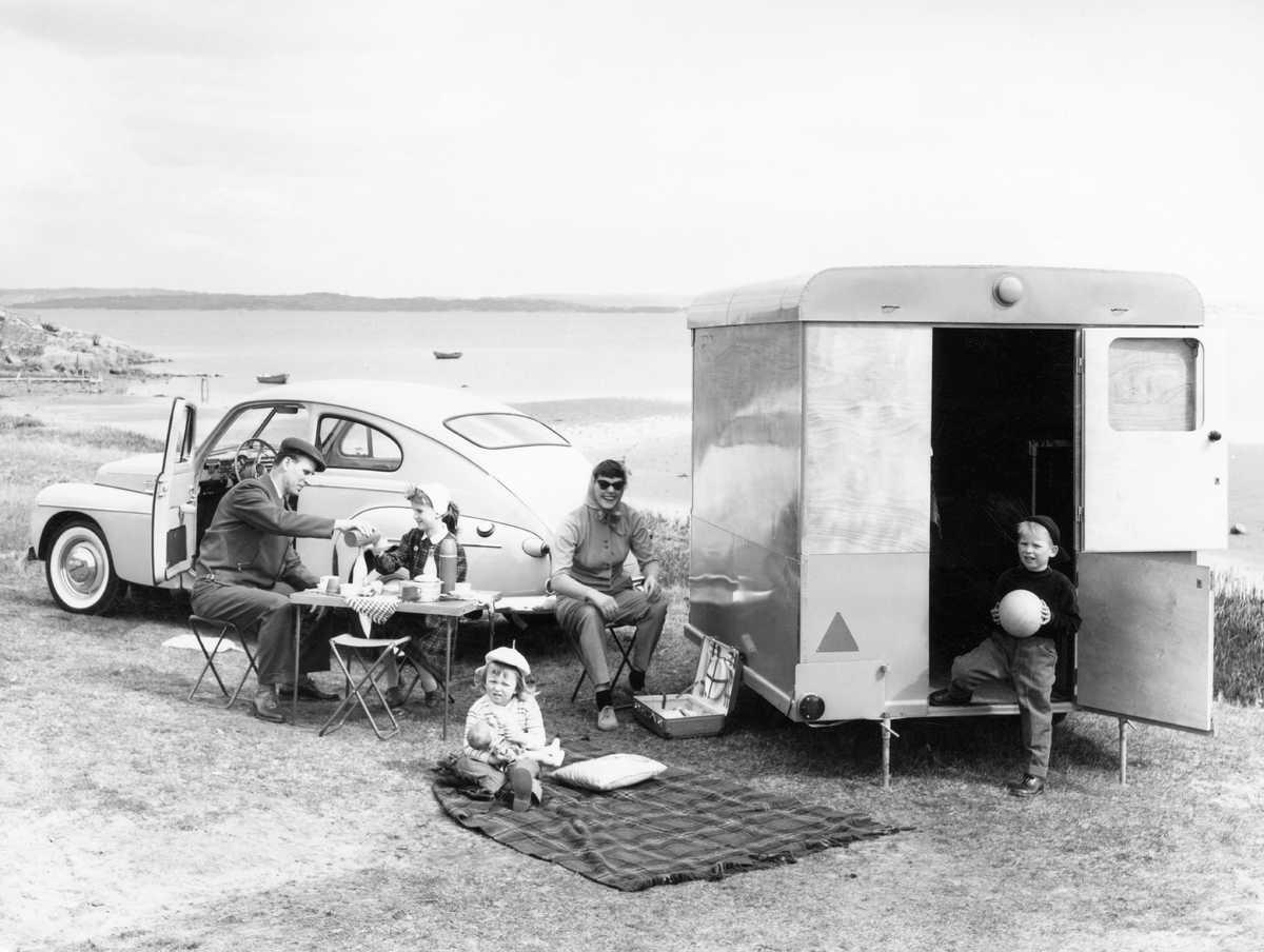 Volvo campingvagn (hög) (002).jpg