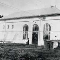 Kraftstation 1920 man barn.jpg