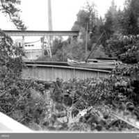 UMFA53202-0409 håverud timmerbåt järnvägsbron.jpg