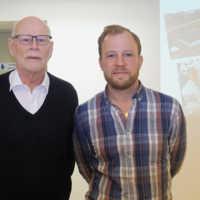 Farfar Malte Grönlund och  barnbarnet tillika VD Andreas Nystedt,
