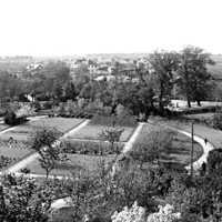 Seminarieträdgården, sommaren 1900 emil.jpg