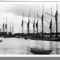 Vänersborgshamn1916VMVBG00461.jpg