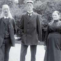 Vaktmästare Nilsson med familj foto emil.jpg