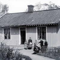 vaktmästarbostad fam nilsson 1900.jpg