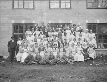 Personal vid Dalsjöforsfabriken 1919.